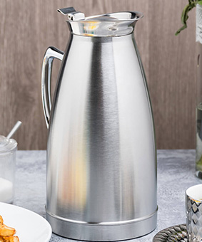 Insulated-Carafe-Pitcher-Rental