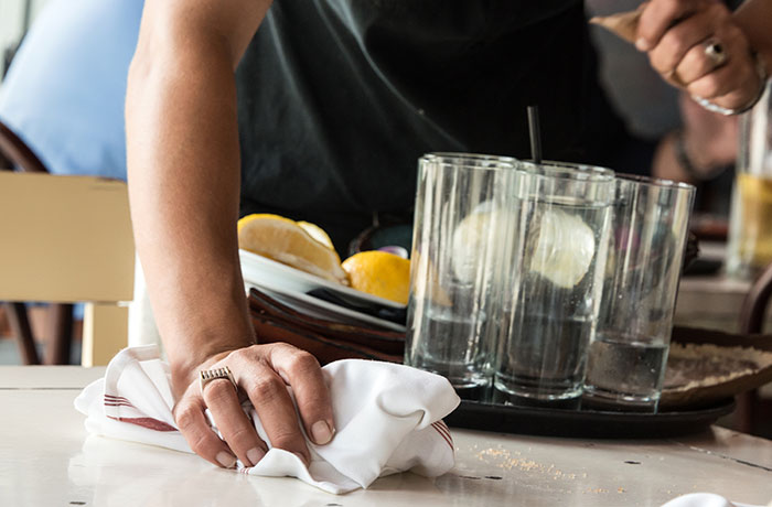 hire-a-server-for-home-party-to-help-keep-guest-tables-clean